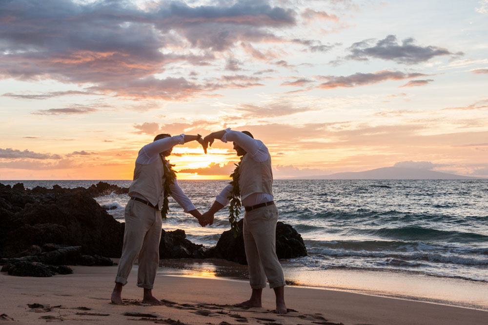 How to Organize a Perfect Beach Gay Wedding